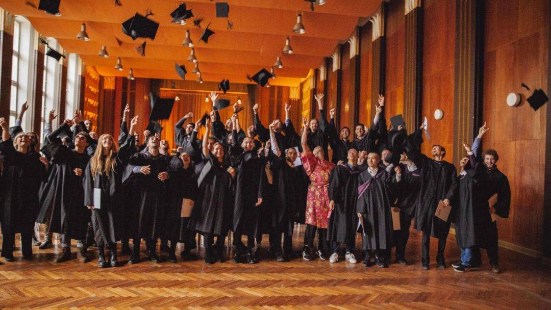 Picture Stories: We Celebrate Our Students' Success at Graduation 2018 | dBs Berlin